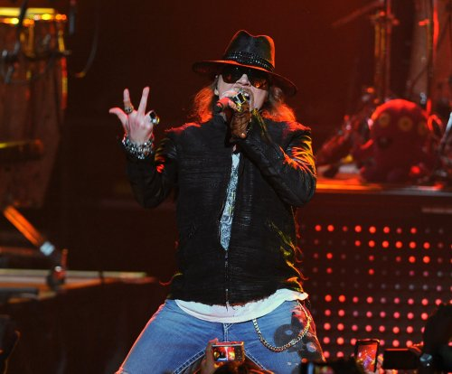 Axl Rose issues takedown request over 'Fat Axl' pic