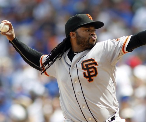Mariners send Fernandez to face Giants' Cueto