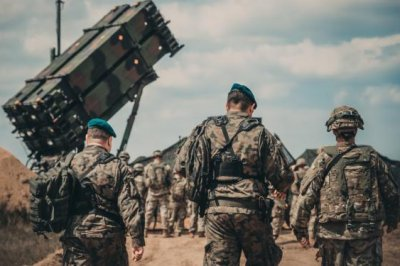 Raytheon receives $1.5B contract for Patriot systems for Poland