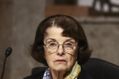 Sen. Feinstein to step down from top spot on Senate Judiciary Committee