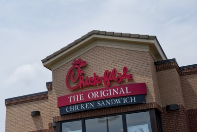 Chick-fil-A suit accuses 17 U.S. poultry producers of price-fixing