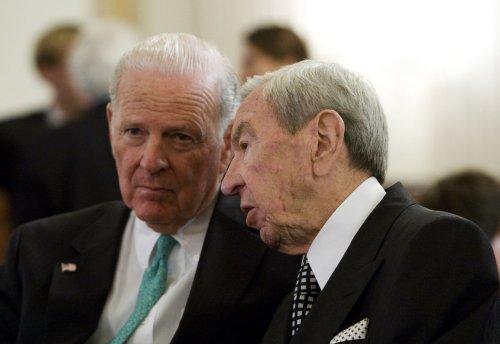 Christopher, Baker: Revise War Powers bill
