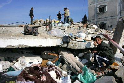 30 killed, 55 hurt in Gaza school bombing