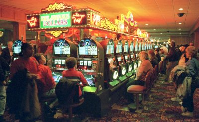 Slot machine luck saves gambler from jail