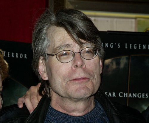 Stephen King tells Maine governor to apologize for tax evasion accusation