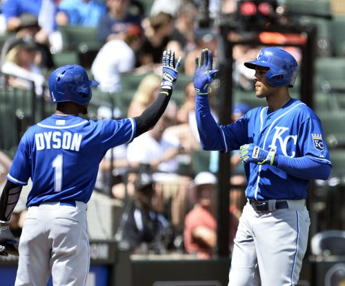 Kansas City Royals hold off Chicago White Sox