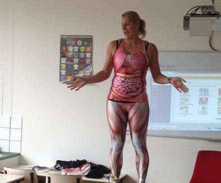Dutch teacher's stripping anatomy lesson a hit with students