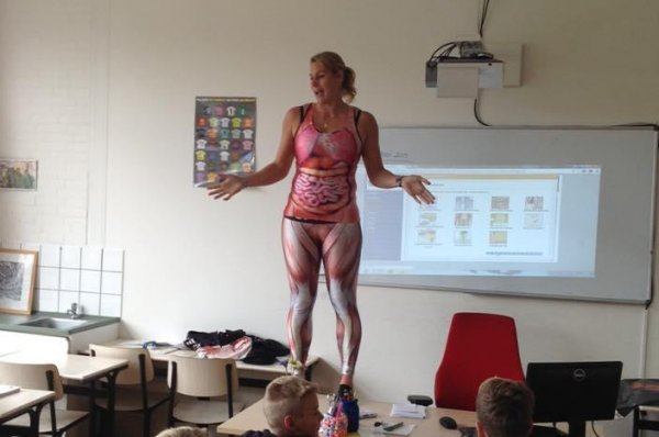 Watch: Netherlands teacher\'s body suits teach anatomy - UPI.com