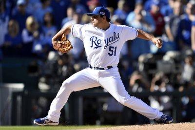 Kansas City Royals' Jason Vargas silences Toronto Blue Jays for 17th win