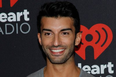 'Jane the Virgin' star Justin Baldoni welcomes son