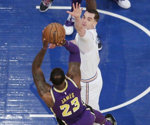 Knicks' Mario Hezonja blocks LeBron James' game-winning shot attempt