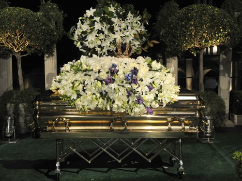 Michael Jackson interred in California