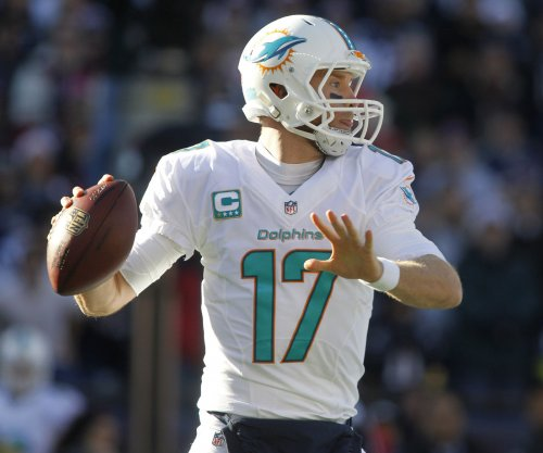 Miami Dolphins sign QB Tannehill to big deal