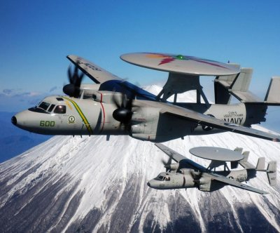 E-2D aerial refueling capability passes CDR