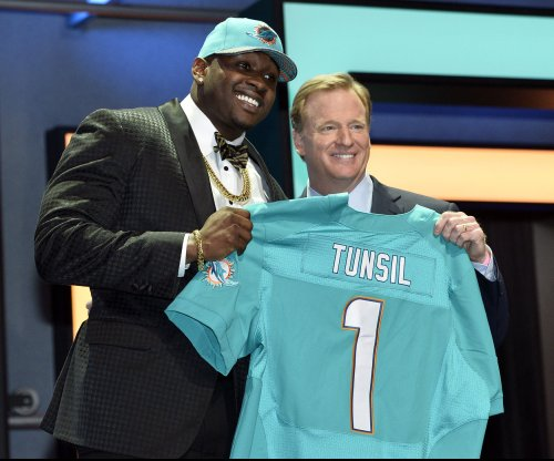 Miami Dolphins T Laremy Tunsil has allergic reaction, then offers little reaction