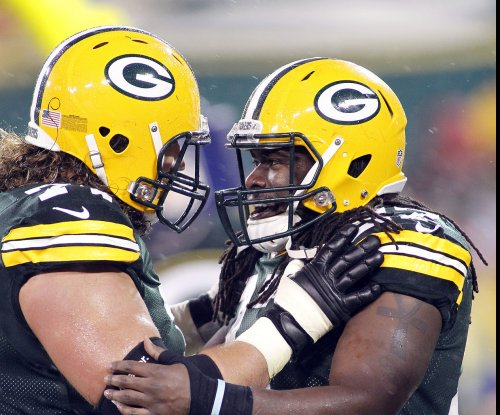 Green Bay Packers: Likelihood of O-line staying together slim
