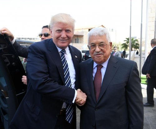Trump, Abbas call for new start to Israeli-Palestinian peace talks