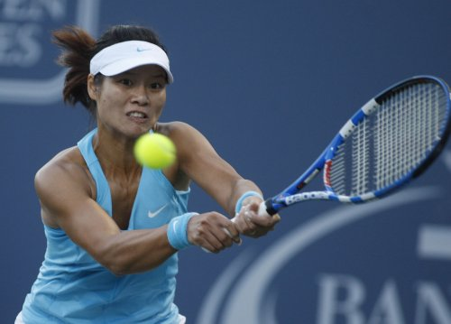 Li, Clijsters reach Australian Open final