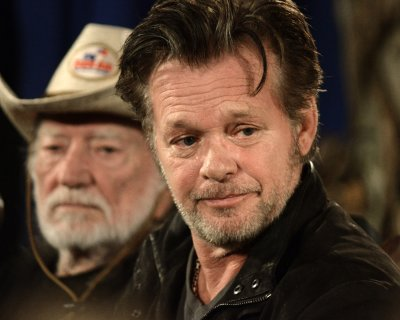 John Mellencamp announces 2015 concert tour