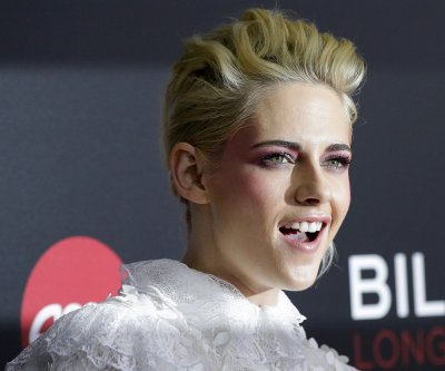Kristen Stewart, new girlfriend St. Vincent attend Elle gala