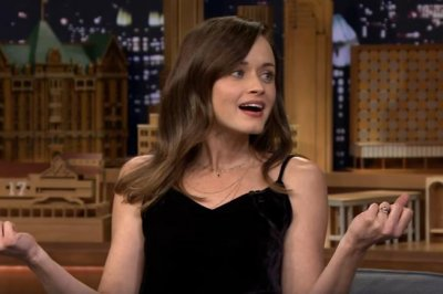 Alexis Bledel tells Jimmy Fallon her favorite 'Gilmore Girls' characters