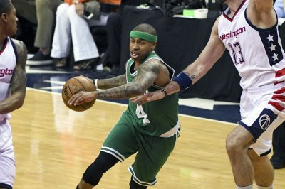 Cleveland Cavaliers: Isaiah Thomas' pauses blockbuster trade