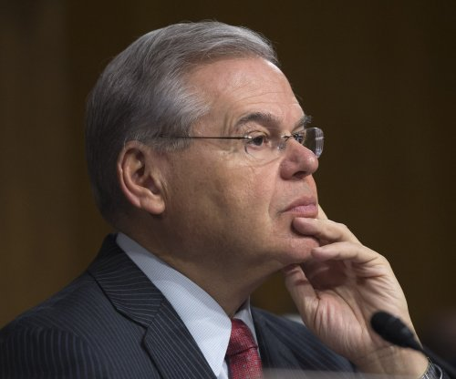 Dismissed Menendez juror predicts hung jury in bribery case