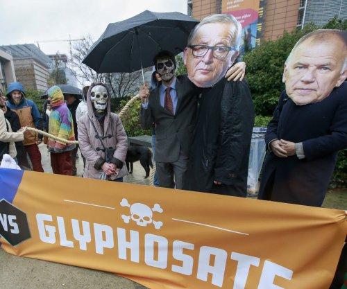 Weed killer glyphosate wins five-year approval in EU vote