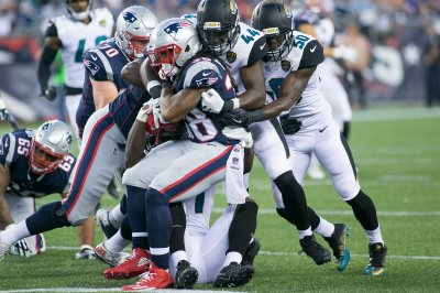 Jacksonville Jaguars LB Myles Jack ejected for throwing punch