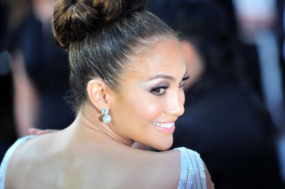 Jennifer Lopez saves Sanchez from 'Idol' elimination