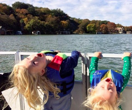 Jessica Simpson shares Thanksgiving photo of her kids