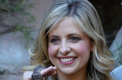 Sarah Michelle Gellar marks 19th birthday of TV's 'Buffy the Vampire Slayer'