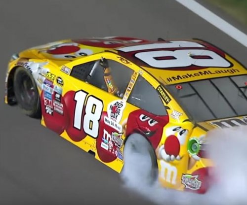Kyle Busch claims victory at Kansas Speedway