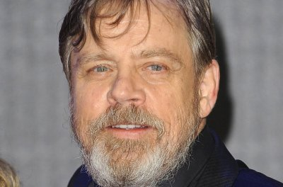 Mark Hamill: 'Of course' Luke Skywalker could be gay