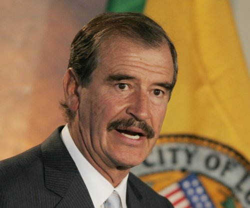 Ex-Mexican president Vicente Fox challenges Donald Trump to a debate
