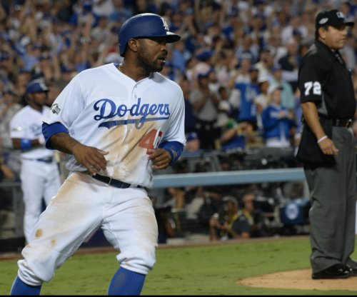 Los Angeles Dodgers ship LF/2B Howie Kendrick to Philadelphia Phillies