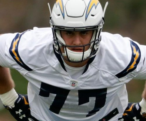 Los Angeles Chargers rookie Forrest Lamp tears ACL, out for season