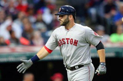 Mitch Moreland, Boston Red Sox blank hapless Cincinnati Reds
