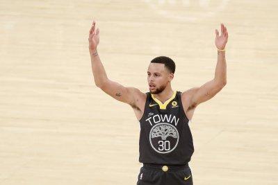 Plenty on line when Golden State Warriors, San Antonio Spurs collide
