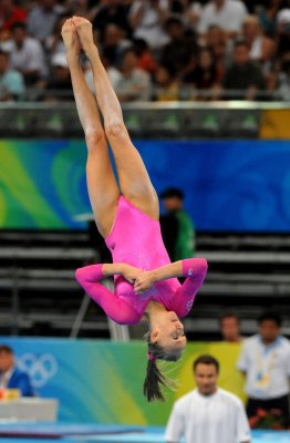 Americans go 1-2 in women's all-around