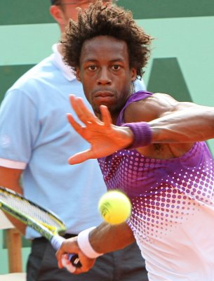 Monfils grabs semifinals spot in Nice Open