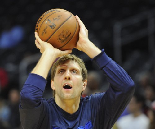 Dirk Nowitzki opting out of contract, plans to stay with Dallas Mavericks