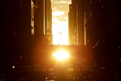 'Manhattanhenge' makes New York glow at sunset