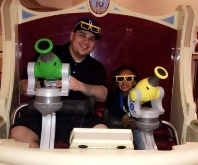 Rob Kardashian, Blac Chyna bring King to Disneyland