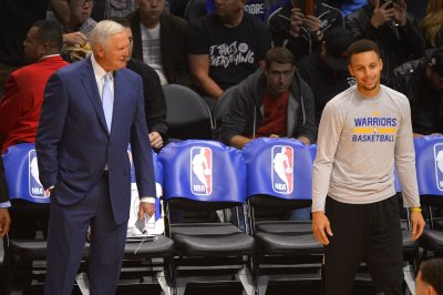 Report: Los Angeles Clippers interested in hiring Jerry West from Golden State Warriors