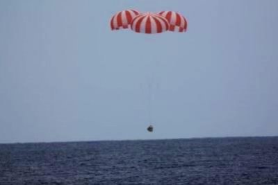 SpaceX Dragon craft successfully splashes down after Int'l Space Station delivery