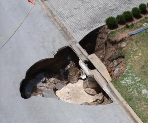 New sinkholes open in Florida, Maryland, at White House
