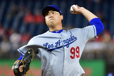 Dodgers go with surprise starter in opener vs. Braves
