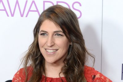 Mayim Bialik to host 'Celebrity Show-Off,' TBS announces