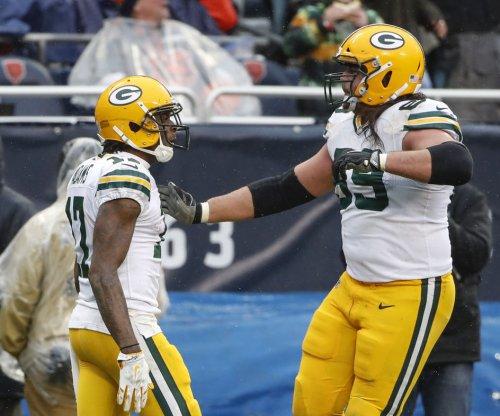 Green Bay Packers fear LT David Bakhtiari has season-ending knee injury